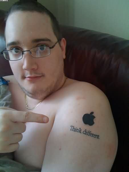 Men Show Her Apple Logo Tattoo On Shoulder