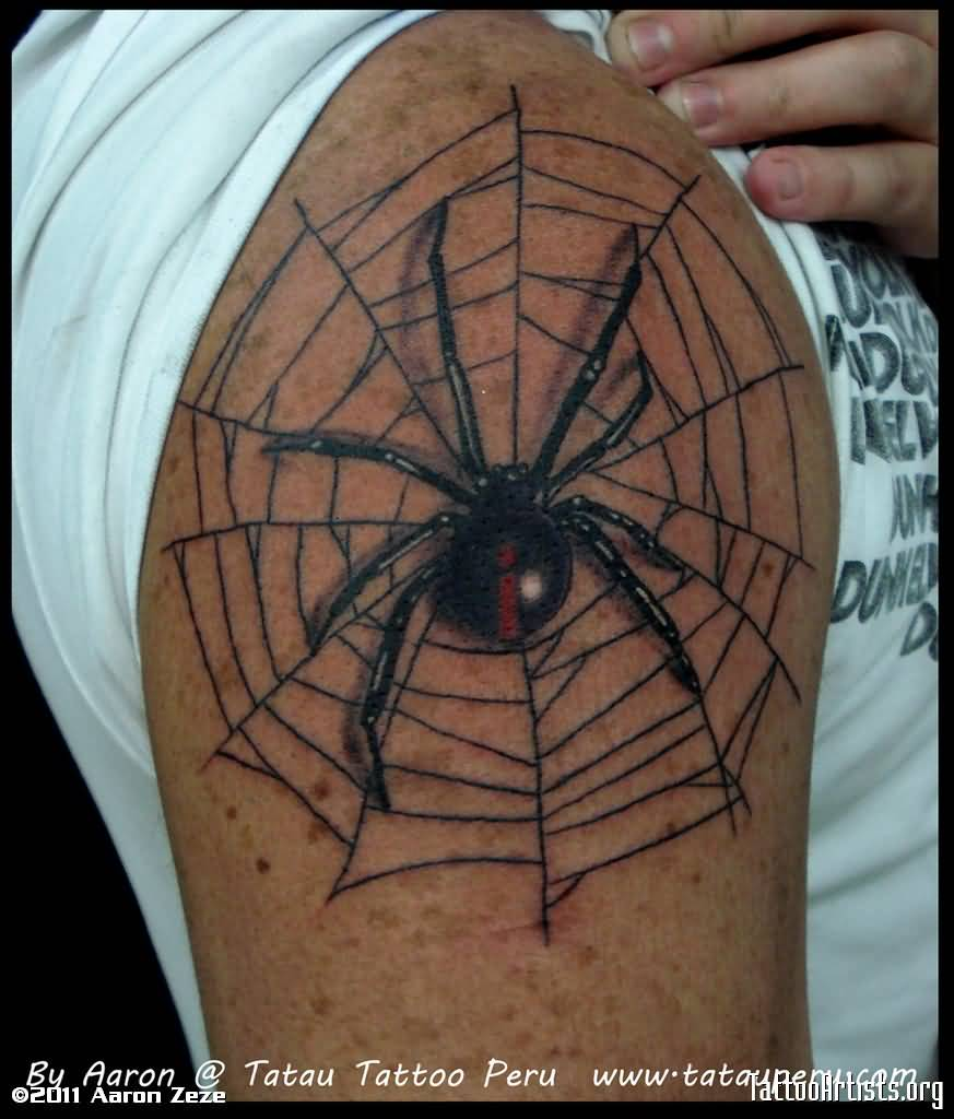 Men Show Her Simple Black Widow Spider Tattoo Design For Shoulder