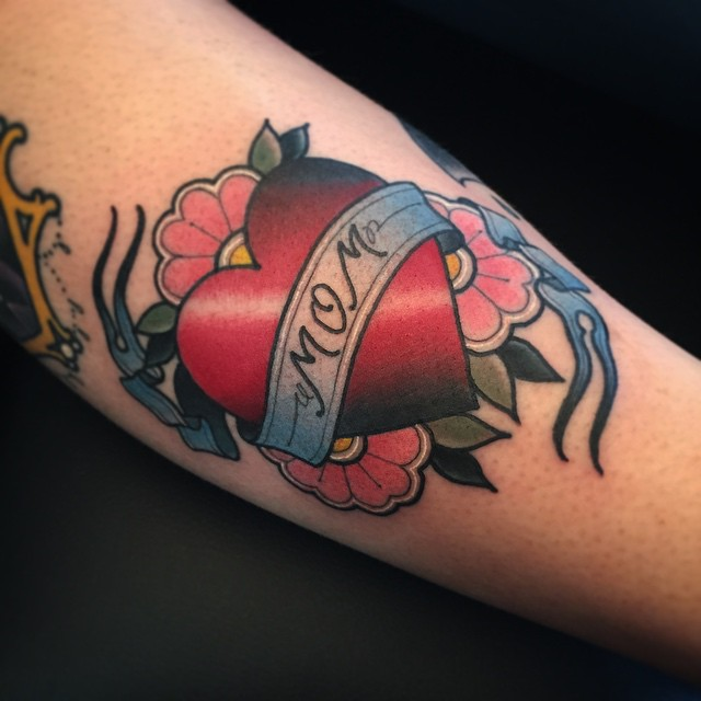 Mom Banner Red Heart With Flower Tattoo Design