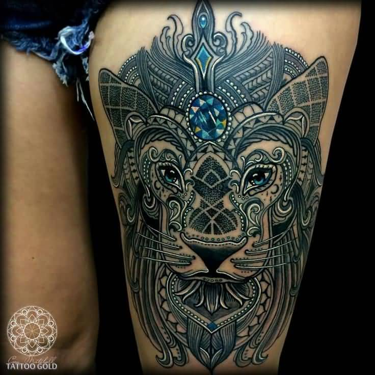 Nice And Amazing Mosaic Face Tattoo On Hot Thigh