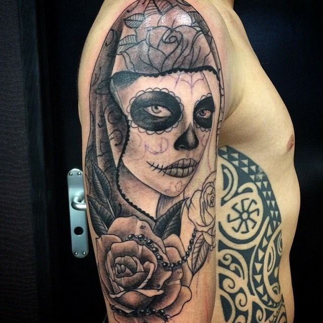 Nice And Catrina Girl Face Mask With Rose Tattoo