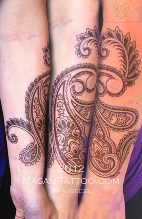 Nice Heena Ink Paisley Pattern Tattoo