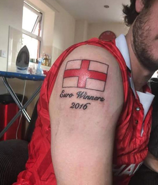 Nice Men Shoulder Football England Team Flag And Text Tattoo