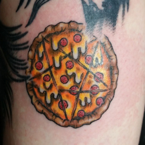Nice Star Symbol Pizza Tattoo