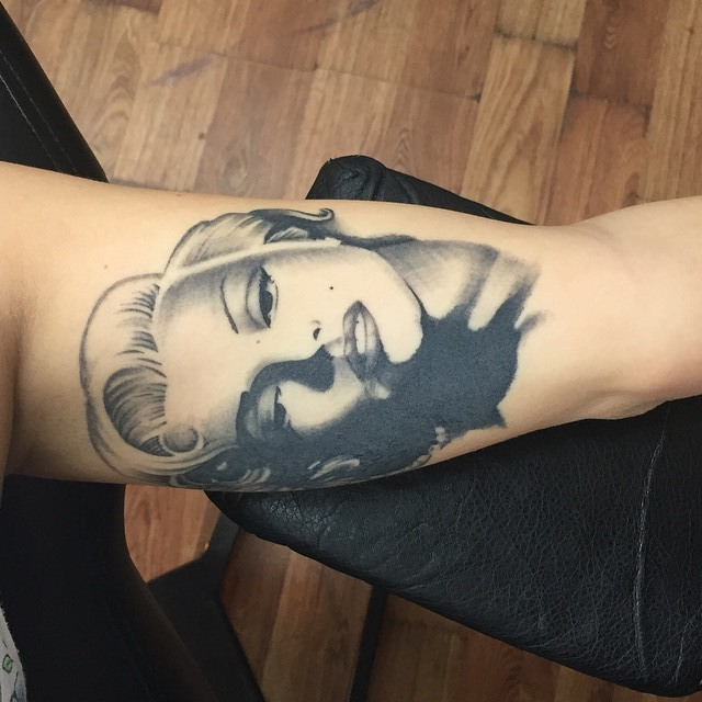Portrait Grey Ink Awesome And Nice Marilyn Monroe Tattoo