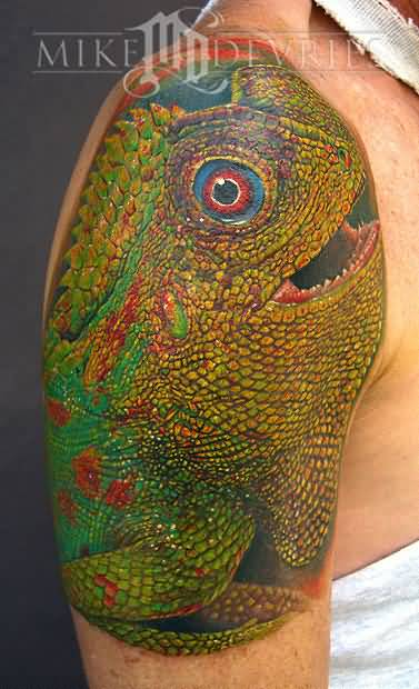 Realistic And Dangerous Large Reptile Lizard Tattoo