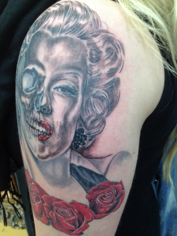 Red Beautiful Roses Marilyn Monroe Skull Tattoo