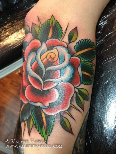 Red Simple Old School Beautiful Rose Tattoo