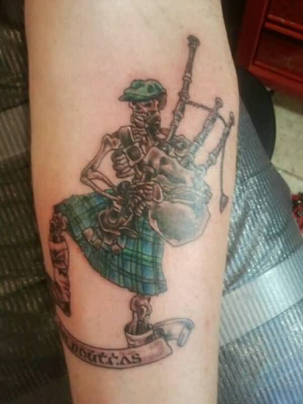 Scottland Skeleton Play Scottish Bagpipe Tattoo