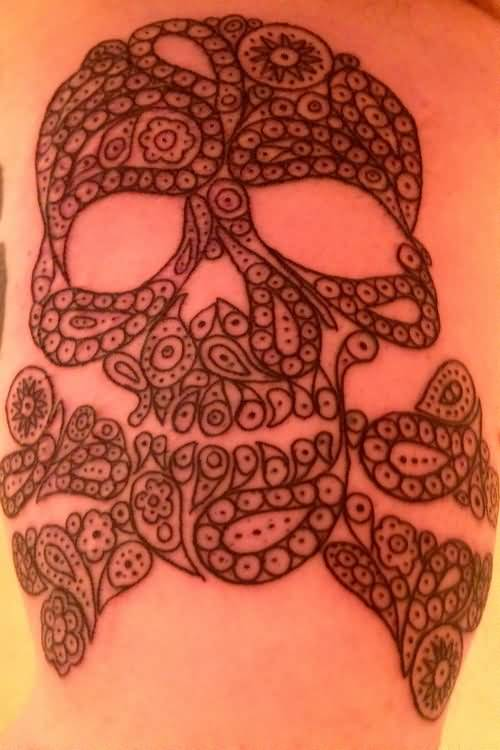 Simple And Old Trend Paisley Pattern Skull Tattoo