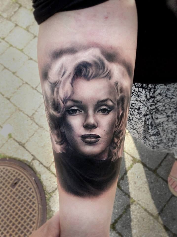 Ultimate And Awesome Marilyn Monroe Face Tattoo Design Idea On Forearm