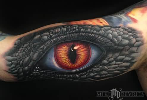 Ultimate And Awesome Reptile Eye Tattoo On Upper Sleeve