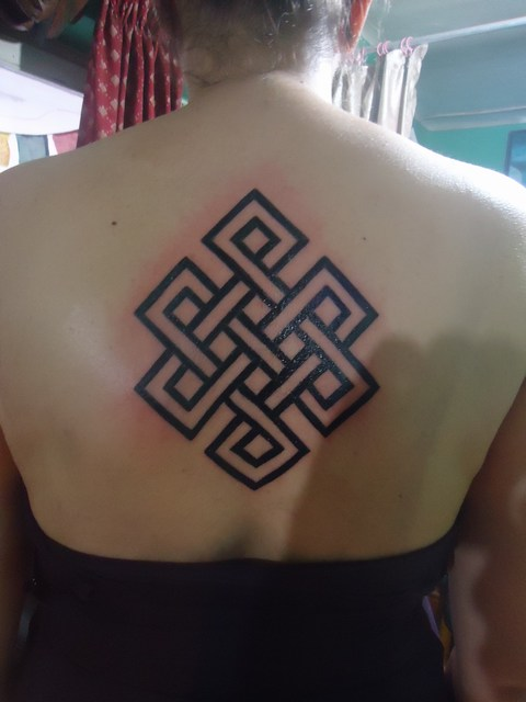 Upper Back Nice Endless Knot Tattoo Design For Hot Girl