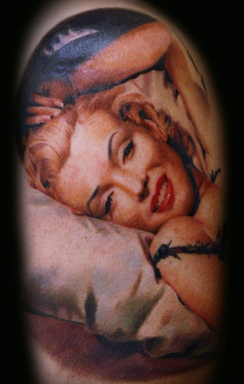Wonderful Simple Marilyn Monroe Portrait Face Tattoo