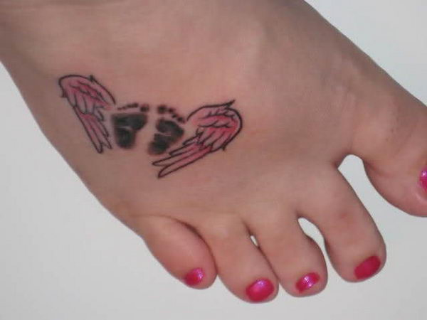 Nice Footprints Remembrance Angel Wings Foot Tattoo