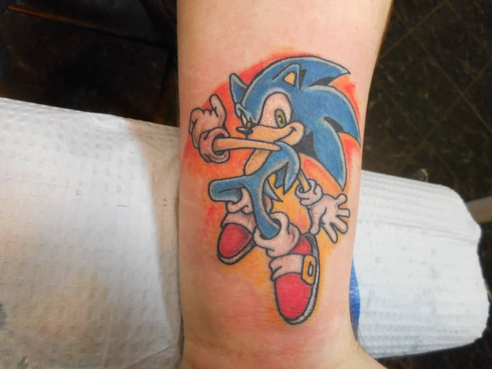 Wonderful And Nice Sonic Tattoo Design On Wrist